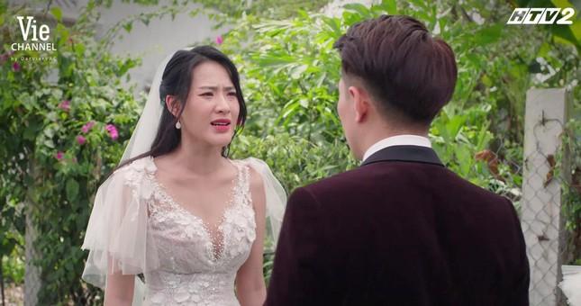 """Cây Táo Nở Hoa: Trúc (Minh Trang) xách váy cưới đến hôn lễ người yêu """"đại chiến"""" tình địch ảnh 5"""