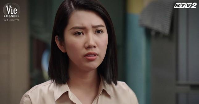 """Cây Táo Nở Hoa: Trúc (Minh Trang) xách váy cưới đến hôn lễ người yêu """"đại chiến"""" tình địch ảnh 2"""