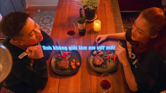 Trở thành cặp đôi trong MV mới, Right tiết lộ từng sợ tin đồn hẹn hò làm phiền đến Lona ảnh 5
