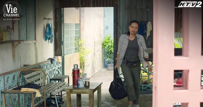 Cây Táo Nở Hoa: Nhã Phương nhảy nhót giữa chợ, chạy trốn khỏi màn truy đuổi của Thái Hòa ảnh 8