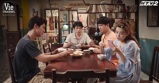 """""""Cây Táo Nở Hoa"""" tập 8: Trịnh Thảo hỗn hào, chỉ trích """"ba"""" Thái Hòa khiến mình mất mặt ảnh 1"""