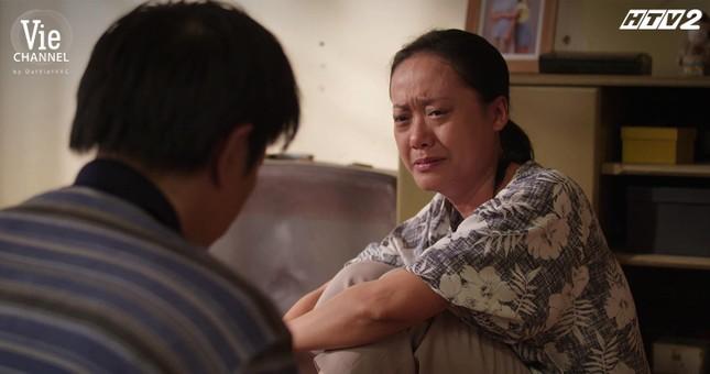 """""""Cây Táo Nở Hoa"""": Vì bà xã, Thái Hòa thẳng tay đuổi Nhã Phương, Trương Thế Vinh khỏi nhà ảnh 1"""