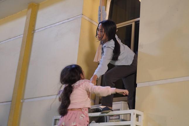 """Lý Hải tiết lộ hậu trường cảnh mạo hiểm của mẹ con Ốc Thanh Vân trong """"Lật Mặt: 48H"""" ảnh 2"""