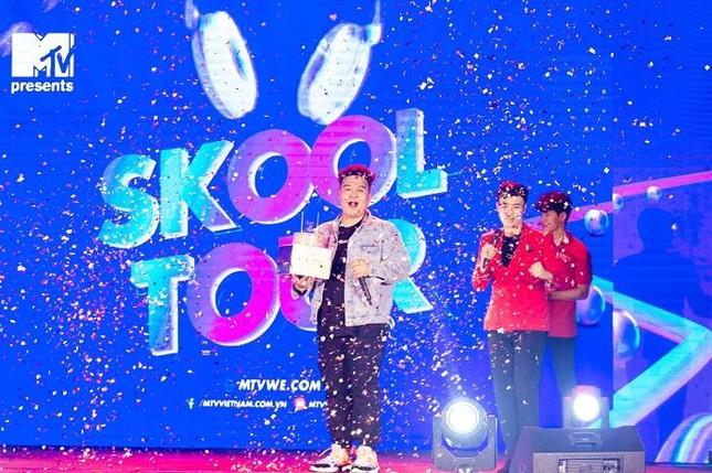 """Yuno Bigboi, Ricky Star, Uni5 mang loạt hit triệu view """"đột kích"""" các trường đại học ảnh 6"""