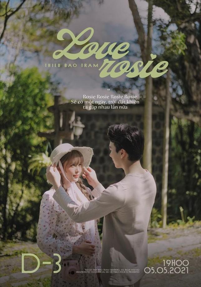 """Thiều Bảo Trâm tung teaser cho """"Love Rosie"""", tên ca khúc mới có liên quan BLACKPINK Rosé? ảnh 4"""