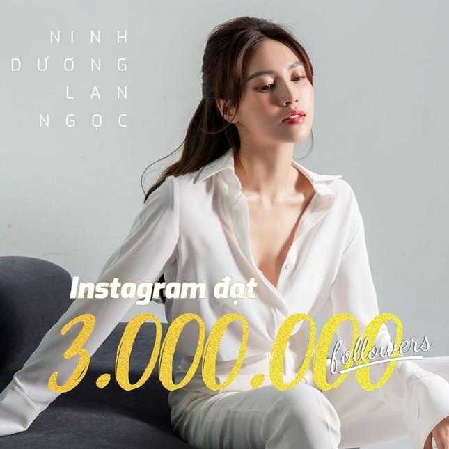 Sao Việt 24H: Lan Ngọc mừng Instagram đạt 3 triệu followers, Han Sara khoe dáng cực xinh ảnh 1