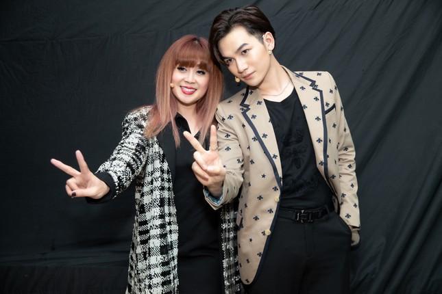 Sao Việt 24H: Lynk Lee khoe ảnh cực xinh, Lưu Thiên Hương cùng học trò ra mắt ca khúc mới ảnh 1