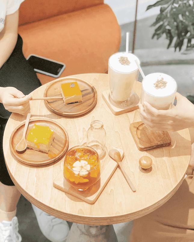 """Ngất ngây với những thiên đường café """"trắng tinh"""" và """"đen tuyền"""" ở Sài Gòn ảnh 3"""