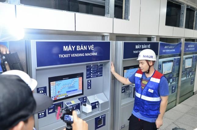 Theo chân Hamlet Trương khám phá ga ngầm siêu hiện đại của tuyến Metro số 1 ở TP.HCM ảnh 4