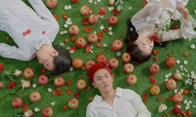 K-ICM tung teaser ca khúc mang phong cách US-UK, kết hợp cùng giọng ca sinh năm 2001 ảnh 3