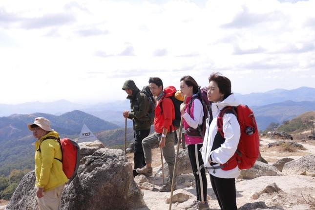 Phim chủ đề sinh tồn đầu tiên của Việt Nam lấy cảm hứng từ câu chuyện trekking có thật ảnh 2