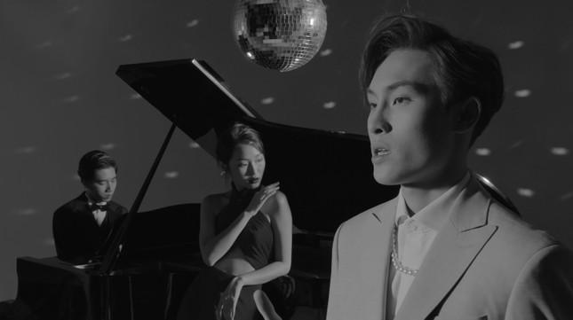 """K-ICM tung MV đầy tính ẩn dụ cho ca khúc kết hợp cùng """"đồng đội"""" mới ảnh 2"""