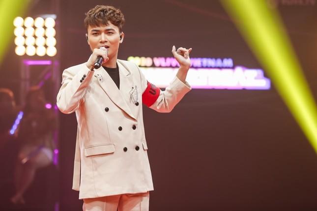 """Boygroup """"em trai MAMAMOO"""" trình diễn với 4 thành viên sau scandal của hotboy Trần Bình  ảnh 4"""