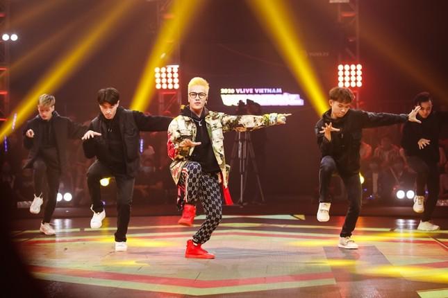 """Boygroup """"em trai MAMAMOO"""" trình diễn với 4 thành viên sau scandal của hotboy Trần Bình  ảnh 5"""