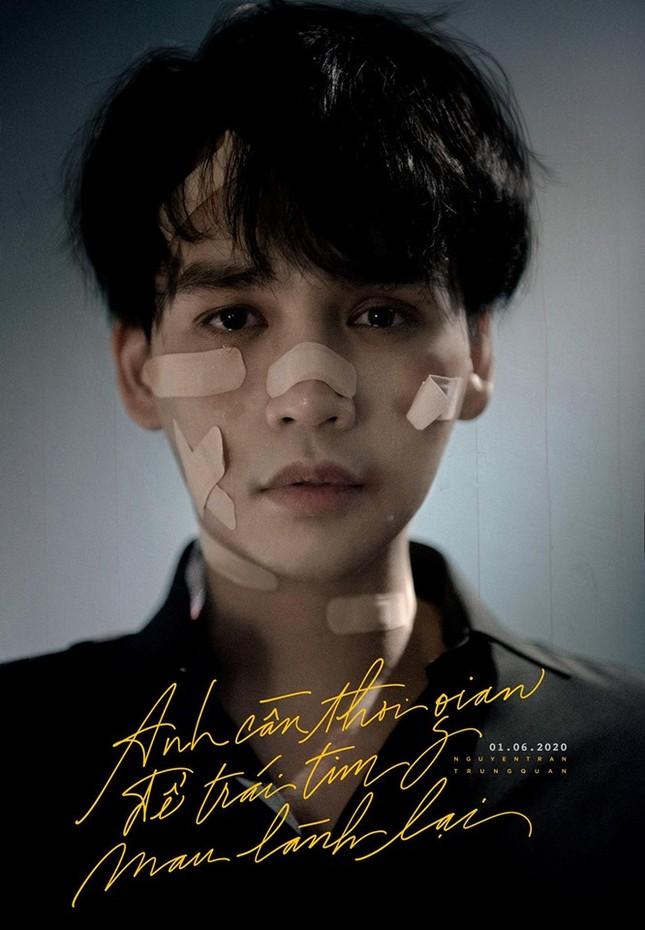 Nguyễn Trần Trung Quân gây sốc với poster đầy thương tích, tên bài hát đầy ai oán ảnh 1
