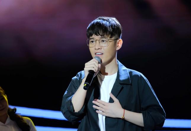 """""""Nhà văn triệu bản"""" Anh Khang sẽ là điểm nhấn thú vị của """"Én Vàng Nghệ Sĩ 2020""""? ảnh 1"""