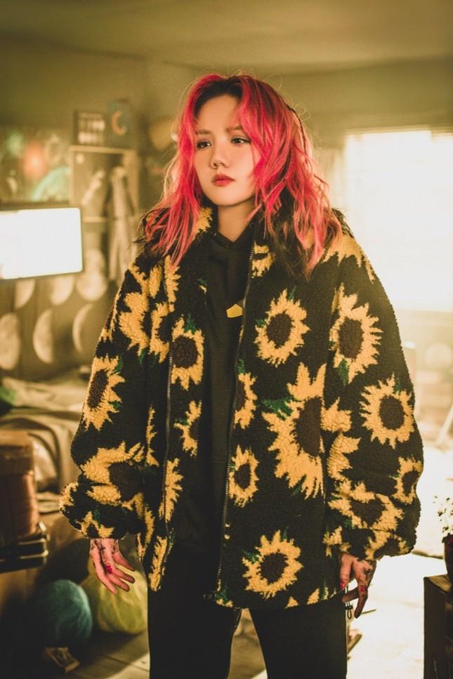 """Phương Ly bật mí chi phí """"không tưởng"""" cho 10 bộ trang phục """"cực nghệ"""" trong MV mới ảnh 1"""