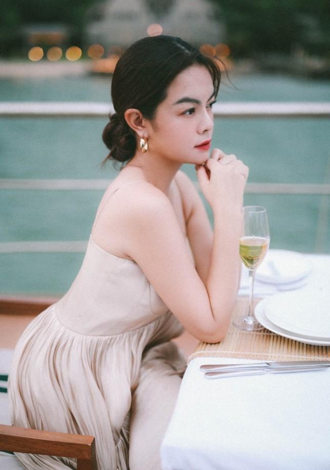 """Phạm Quỳnh Anh nối tiếp loạt hit """"Tình Yêu Cao Thượng"""" với lá thư gửi người đến sau ảnh 2"""