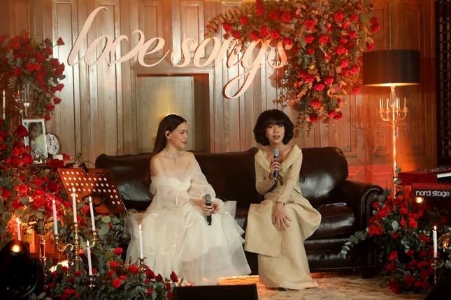 Uyên Linh lần đầu song ca cùng Hồ Ngọc Hà tái hiện loạt hit đình đám một thời ảnh 2