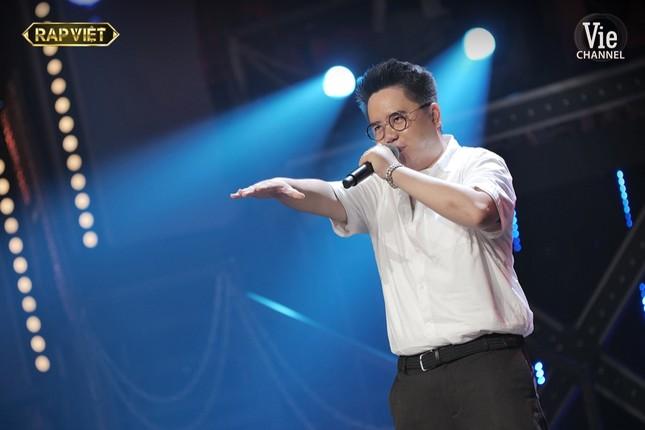 """R.Tee - Dế Choắt xâm chiếm """"Rap Việt"""" khi mang hát xẩm và thơ Tố Hữu vào rap ảnh 4"""