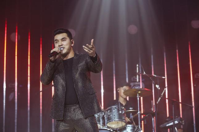 Trịnh Thăng Bình - Liz Kim Cương song ca ngọt ngào, Ưng Hoàng Phúc tái hiện hit cũ ảnh 1