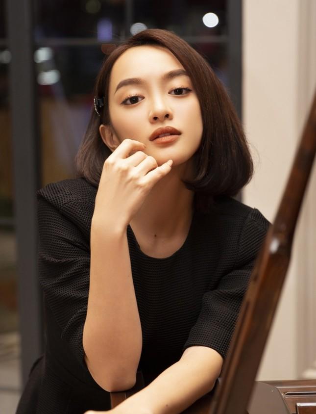 """Kaity Nguyễn khoe nhan sắc mặn mà trước ngày khởi quay """"Gái già lắm chiêu V"""" tại Huế ảnh 1"""