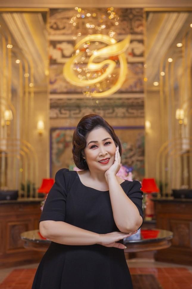 """Kaity Nguyễn khoe nhan sắc mặn mà trước ngày khởi quay """"Gái già lắm chiêu V"""" tại Huế ảnh 3"""