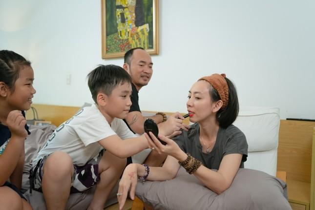 """Được Tiến Luật giúp """"đi đường cọ"""", Thu Trang khóc thét vì không thể nhận ra chính mình  ảnh 3"""