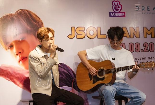 Jsol tiết lộ tật xấu khi soi gương, chia sẻ thật lòng về chuyện tình cảm trong fan meeting ảnh 2