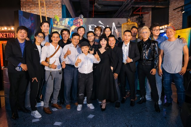 """Mỹ Tâm, vợ chồng Thu Trang - Tiến Luật đến chúc mừng phim """"Ròm"""" ra mắt đầy cảm xúc ảnh 4"""