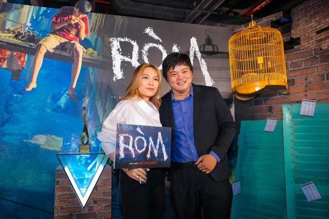 """Mỹ Tâm, vợ chồng Thu Trang - Tiến Luật đến chúc mừng phim """"Ròm"""" ra mắt đầy cảm xúc ảnh 3"""