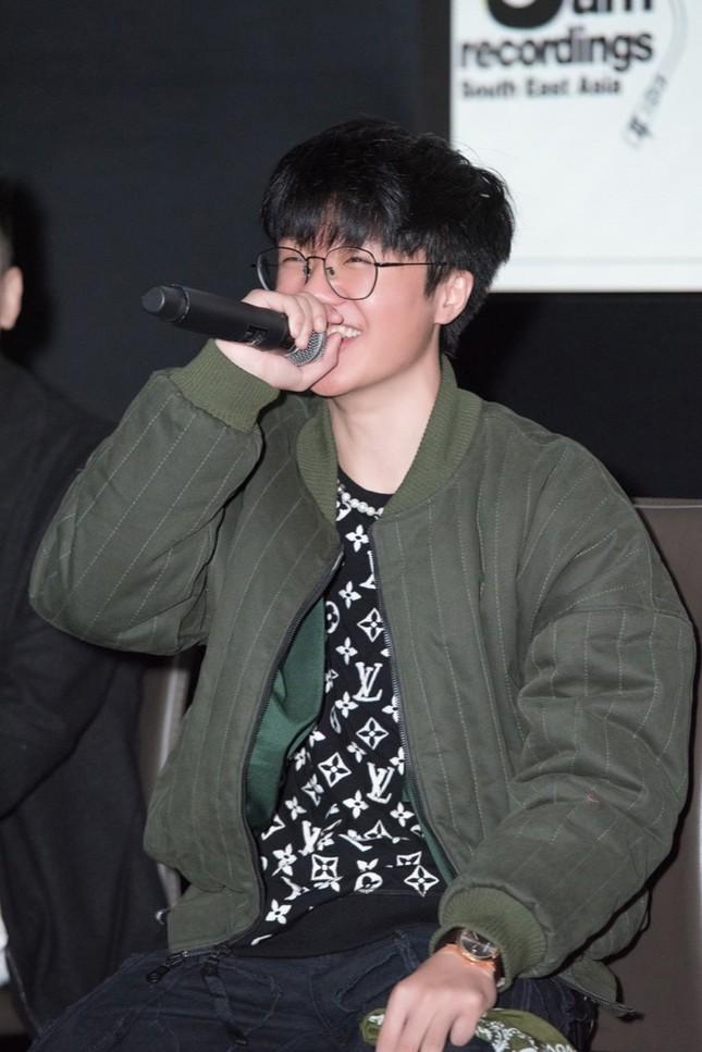 HIEUTHUHAI, Pháo, Rich Choi... cùng hàng trăm rapper hội tụ chúc mừng Obito ra mắt MV mới ảnh 7