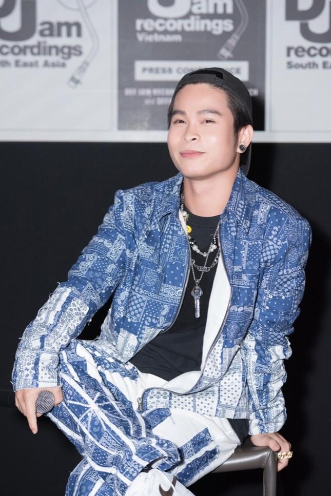 HIEUTHUHAI, Pháo, Rich Choi... cùng hàng trăm rapper hội tụ chúc mừng Obito ra mắt MV mới ảnh 6