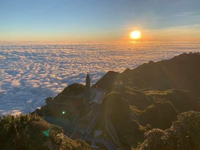 """Cả một """"biển mây"""" bồng bềnh đang chờ bạn """"check-in"""" trong mùa đẹp nhất năm ở Sa Pa  ảnh 4"""