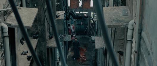 """Hoàng Thùy Linh, Trịnh Thăng Bình xuất hiện đáng sợ trong trailer """"Trái tim quái vật"""" ảnh 1"""