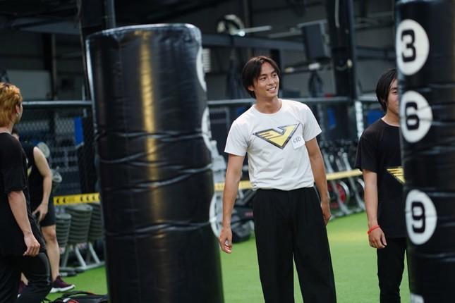 Vượt qua 700 ứng viên, hot boy đóng MV của Trung Quân Idol lọt Top 10 ứng viên cho VINAMAN ảnh 2