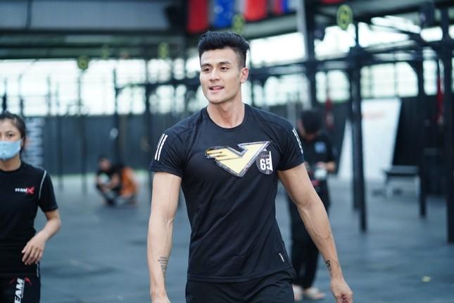 Vượt qua 700 ứng viên, hot boy đóng MV của Trung Quân Idol lọt Top 10 ứng viên cho VINAMAN ảnh 6