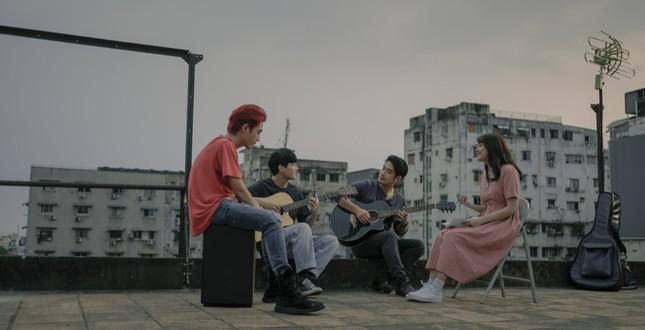 """Sau loạt cảm xúc lãng mạn, """"Sài Gòn Trong Cơn Mưa"""" tung trailer đầy căng thẳng ngập drama ảnh 3"""