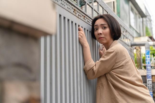 """Sau """"Tiệc Trăng Máu"""", Thu Trang vào vai nhiều chuyện, ăn cắp vặt trong web-drama ảnh 6"""