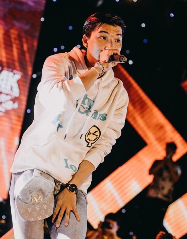 """Biệt đội rapper từ """"Rap Việt"""" và """"King Of Rap"""" bất ngờ hội tụ trong cùng một sự kiện ảnh 1"""