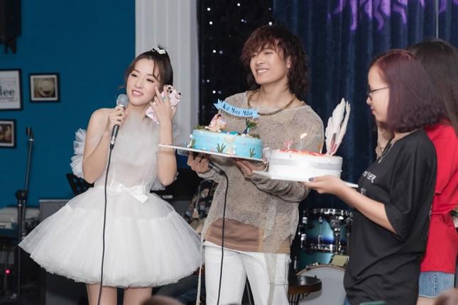 Không ngại lời đồn, Puka làm MC đặc biệt cho đêm nhạc riêng của Gin Tuấn Kiệt ảnh 3