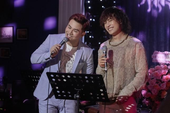 Không ngại lời đồn, Puka làm MC đặc biệt cho đêm nhạc riêng của Gin Tuấn Kiệt ảnh 5
