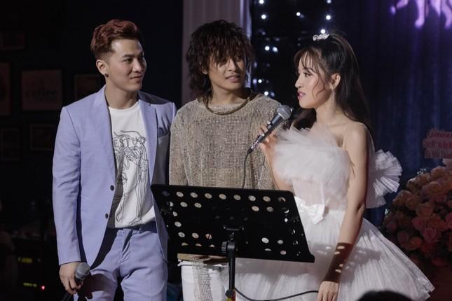 Không ngại lời đồn, Puka làm MC đặc biệt cho đêm nhạc riêng của Gin Tuấn Kiệt ảnh 6
