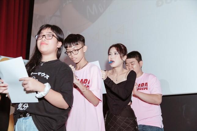 Han Sara rạng rỡ mừng sinh nhật tuổi 20 bên Tùng Maru và hàng trăm fan ảnh 2