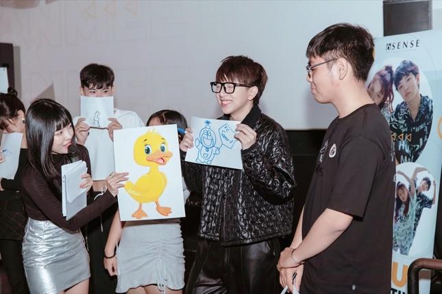 Han Sara rạng rỡ mừng sinh nhật tuổi 20 bên Tùng Maru và hàng trăm fan ảnh 3