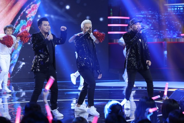 """MTV kết hợp Yuno Bigboi và Quân A.P """"đốt cháy"""" sân khấu """"Bài Hát Đầu Tiên"""" với loạt hit ảnh 3"""