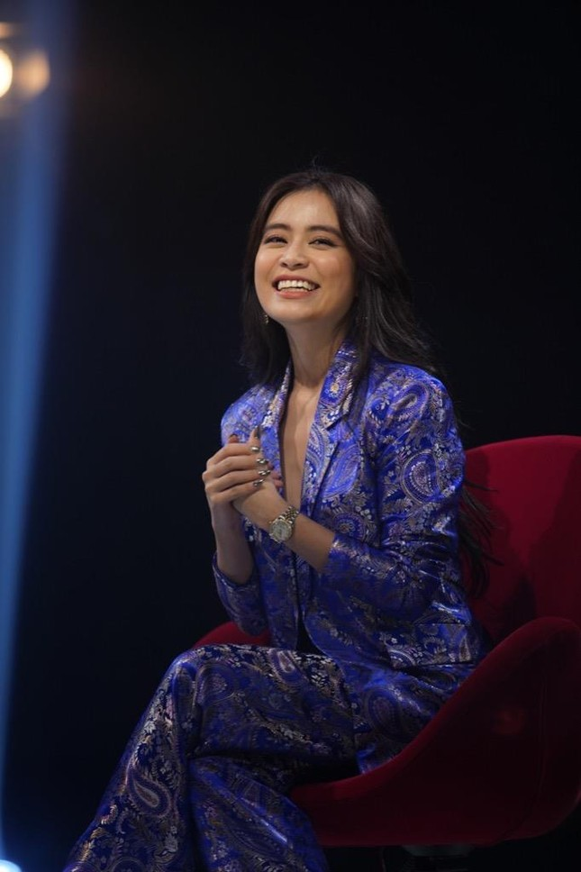Hoàng Thùy Linh gây bất ngờ khi tiết lộ hơn 30 tuổi vẫn để mẹ quản lý thu nhập ảnh 4