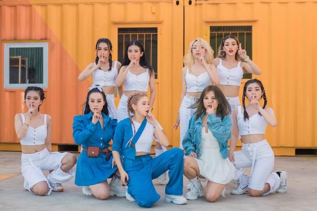 """Nhóm Mắt Ngọc bất ngờ """"đánh úp"""" fan bằng teaser MV mới, sẵn sàng trở lại V-Pop ảnh 6"""