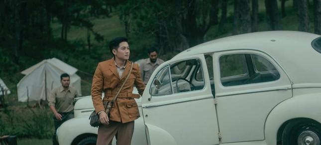 Hiền Hồ trở lại với thế mạnh ballad, diễn xuất bi thương đến ám ảnh trong MV mới  ảnh 4