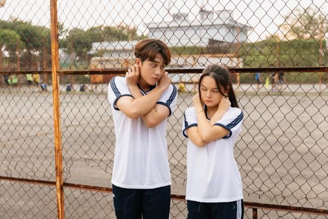 Không còn buồn bã, Phạm Quỳnh Anh chinh phục trai trẻ trong MV kết hợp Ricky Star ảnh 5